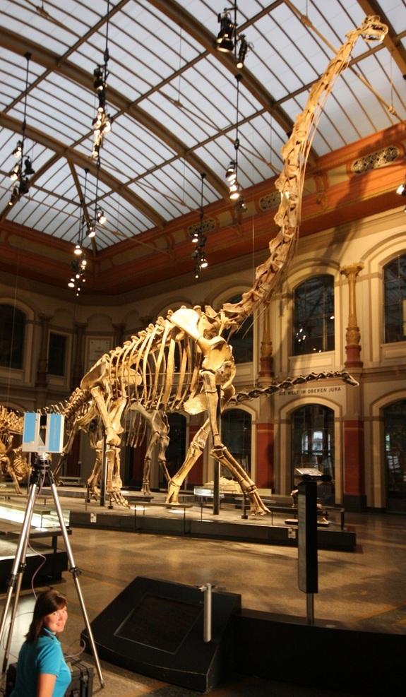 scanning-brachiosaurus